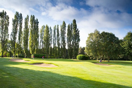 Hole 1 - Par 4 - 283 yards A straight, accurate drive to avoid out of bounds on the left, then a pitch into a well bunkered two tiered green.