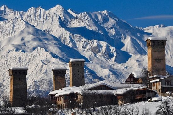 Upper Svaneti, Georgien: Svaneti or Svanetia is a historic province of Georgia, in the northwestern part of the country. Winter in Svaneti is wonderland for those who loves skiing or snowboarding and wants to see really amazing place with unique culture