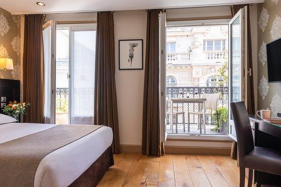 Chambre supérieure avec balcon