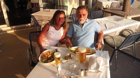 Promajna, โครเอเชีย: Vacsora az IKO teraszán...