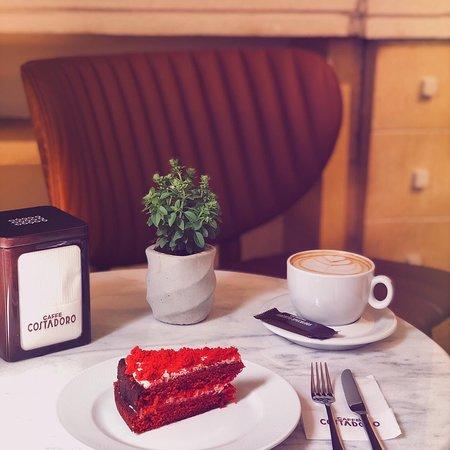 Mod Cafe & Bistro