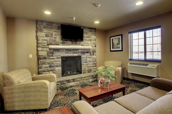 Crookston, MN: Relax in the sitting area