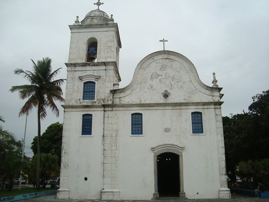 Frente da Matriz de Sant'Anna em Itanhaém.