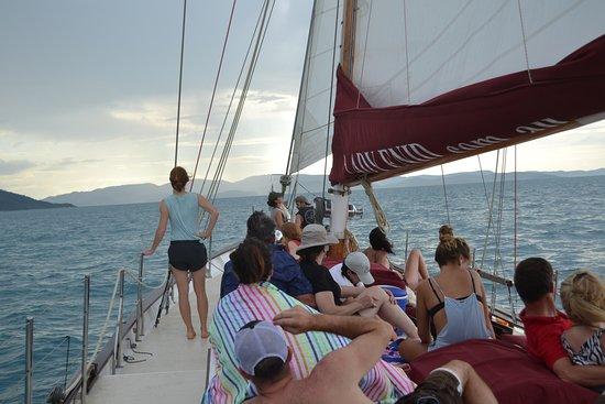 Sejltur med Lady Enid og Snorkeldagstur inklusiv Whitehaven Beach: Lady Enid under sail
