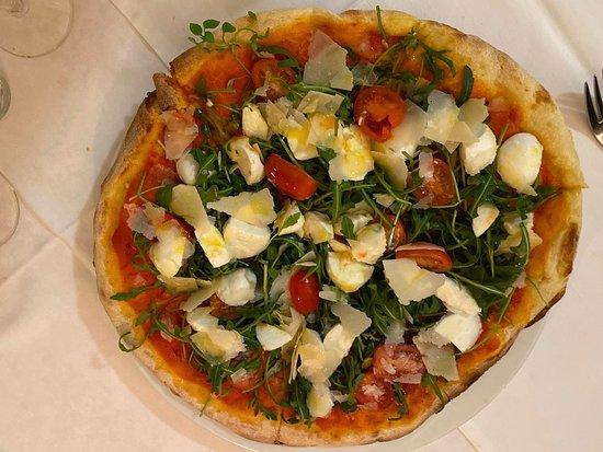Siebnen, Suiza: Feine Pizza-Kreationen