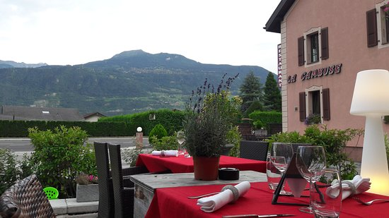 Vetroz, Schweiz: Belle terrasse vu sur la montagne...