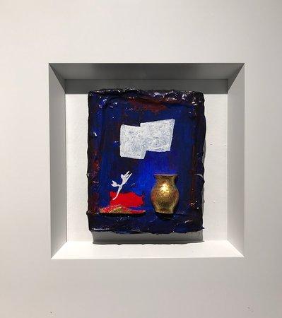 Jef Huibers | beeldend kunstenaar    Miniatuur | gemengde materialen en bladgoud in lijst
