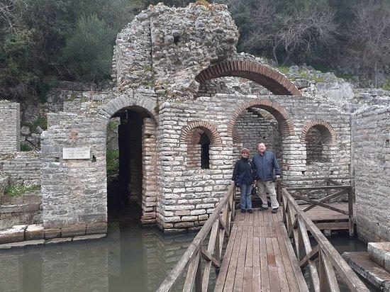 Butrint, Αλβανία: Exploring the castle