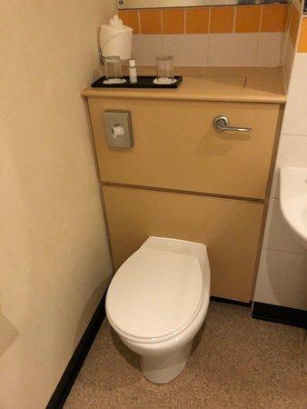 1970's bathroom