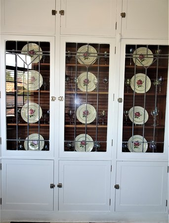 Glass Leaded Cabinet in Butler's Pantry