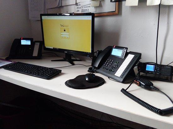 Badia Blava, Spain: Nuestra oficina, le atendemos por teléfono, Whatsapp, mail, Facebook o Instagram