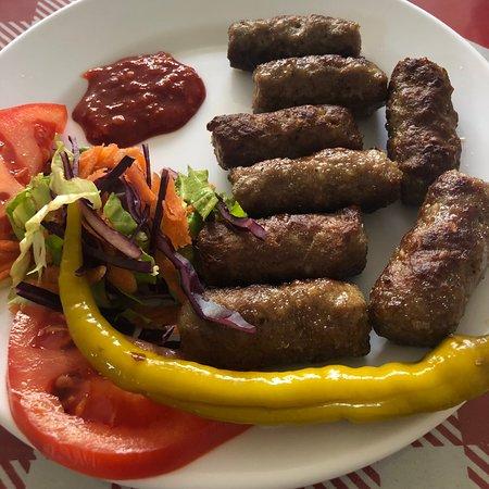 Murefte, Турция: Günaydın Köftecisi Babadan Oğula geçen küçük güzel bir köfteci . Tavsiye olunur