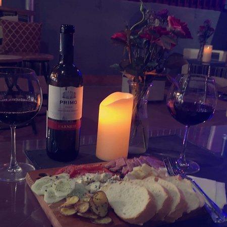 Vinoteca Bar