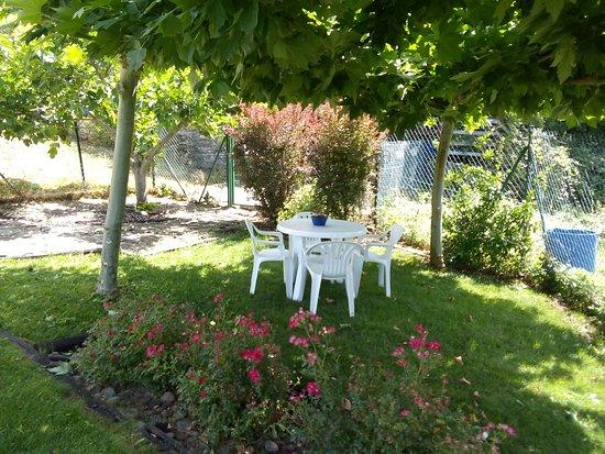 Esteribar, Espanha: Jardín 1