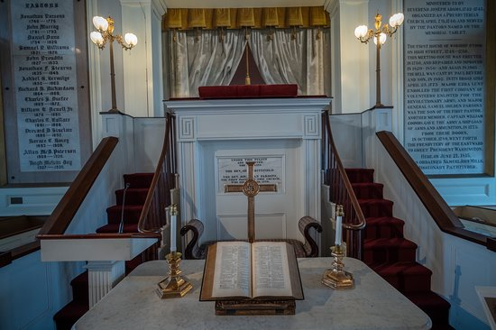 Newburyport, MA: Old South Presbyterian Church has a fascinating history. Its interior - with its trompe l'oiele interior and crypt - is a church photographer's joy.