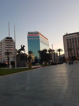 Ξενοδοχείο Movenpick Σμύρνη  εξωτερική άποψη