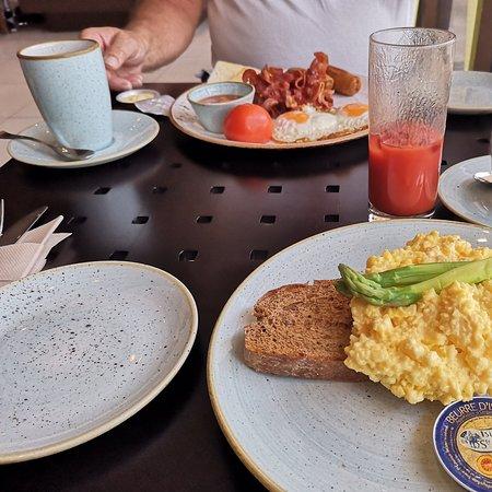 Breakfast, lunch, dinner.....all good!