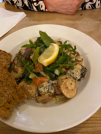 Johnshaven, UK: Scallops and black pudding special