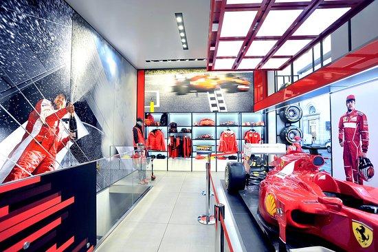 Ferrari Store Roma