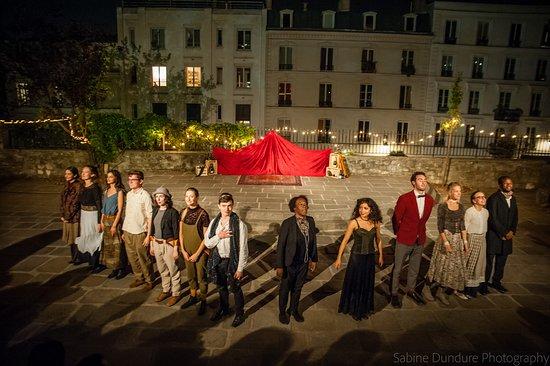 Paris, Frankreich: A Midsummer Night's Dream at the Jardin des Arènes de Montmartre, 2018. Photo by Sabine Dundure