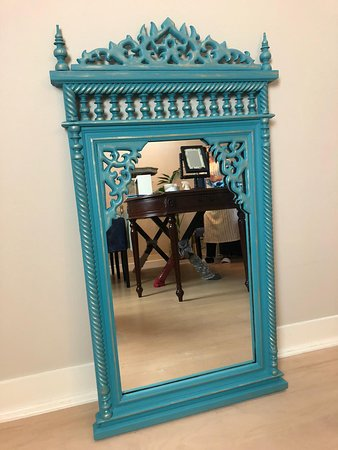 Furniture painting *****