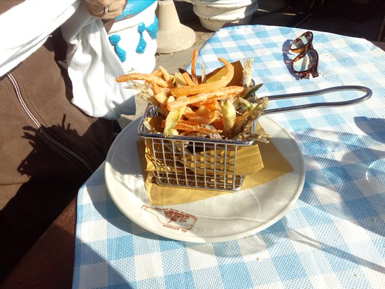 Acciughe e verdure fritte