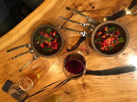 Чкалова, Россия: салат из печных овощей, зеленью и семечками подсолнечника, заправленный ароматным маслом