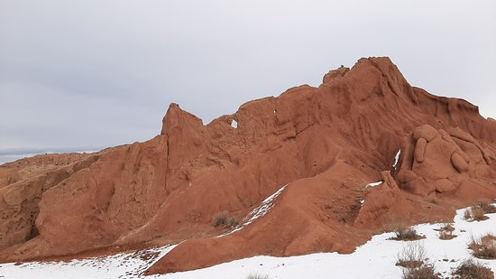 Tosor, Kirgizië: Canyon in february