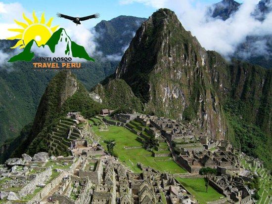 San Sebastian, Peru: Una forma rápida de conocerla majestuosa ciudadela de  Machu Picchu en un día, si no tienes mucho tiempo para estar en Cusco Perú, esta opción es la ideal para ti. Conocerás a través de un guiado de dos horas los sectores más importantes de Machu Picchu luego tendrás una hora para continuar visitando por tu cuenta  propia para después retornar a la ciudad del Cusco.