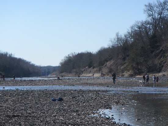 Ladonia, TX: There were ~30 people there yesterday, though spread across the river so no-one was crowded.