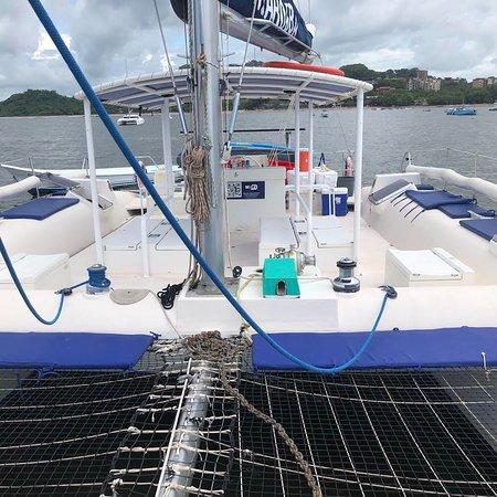 Catamaran Ti-Marouba, Viajeros Pura Vida, se parte de nuestras aventuras en nuestros viajes a este hermoso Catamaran en playa Tamarindo 🇨🇷✔️  Paquetes todo incluido desde comidas, transporte y hospedaje.  http://www.viajerospura.com/blog  Para más información Contáctenos al 86826208 o al  brandonmunoz407@gmail.com será un gusto atenderle