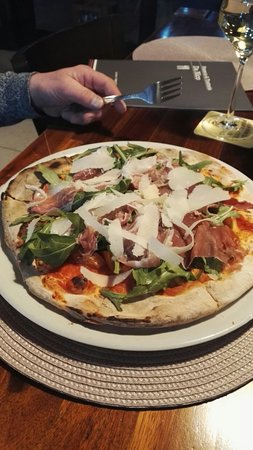 Gute Pizza