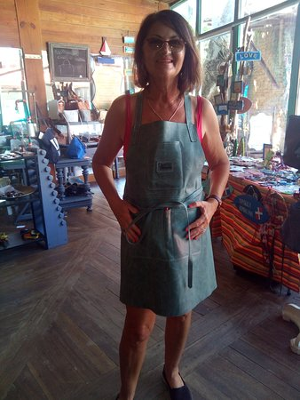 Sosua, Dominikánská republika: You think they make. All 💯%genuine leather