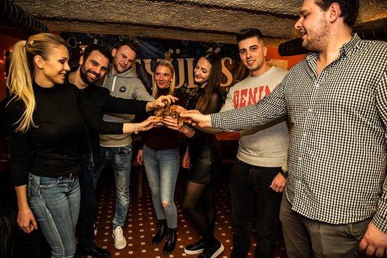 Memories Pub Crawl Budapest