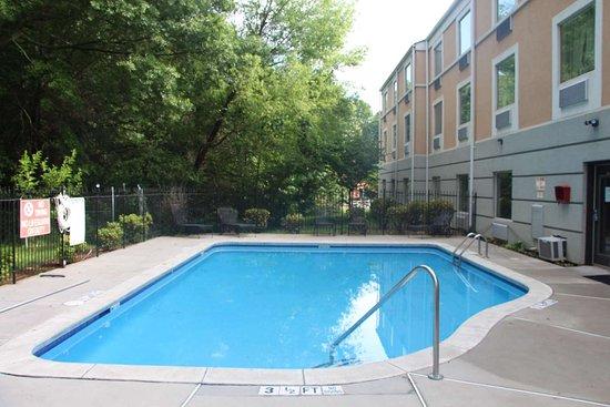Riverdale, Géorgie: Outdoor Swimming Pool
