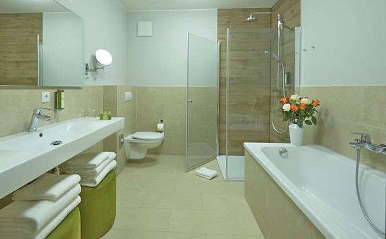 Korswandt, Германия: Junior Suite bathroom