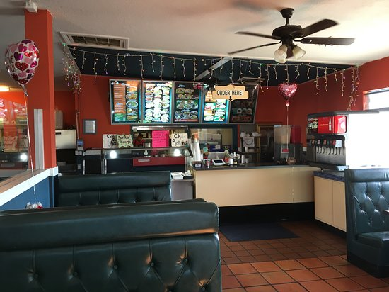 Buttonwillow, CA: Inside Sabroso!