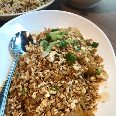 Is the food at Xi Yan better than in Xi'an?