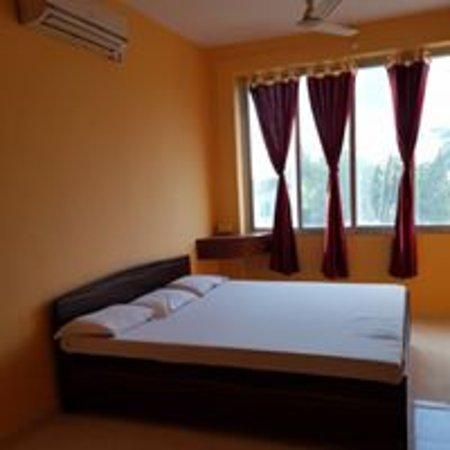 Udvada, India: rooms