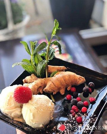 🍨😋YUMMY-GET IN MY TUMMY😋🍨  Eis geht immer! Stimmt doch, oder? Welche Eissorte ist Euer Favorit?  Erfrischendes Eis, mit fruchtigen Beeren, Ingwer und duftender Minze, ist der perfekte Abschluss einer leckeren Mahlzeit!