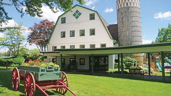 Middlebury, IN: The Essenhaus Village Shops