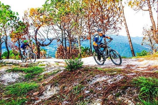 Tour de bicicleta de montanha