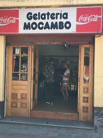 Cauquenes, Chile: Gelatería Mocambo