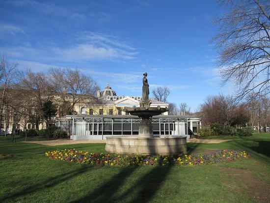Fontaine De La Deesse