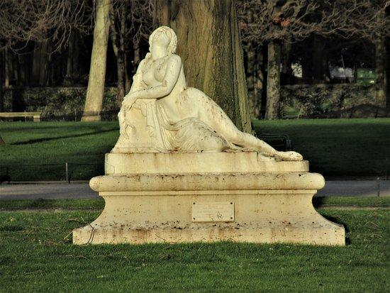 Statue Mort de Laïs par Meusnier