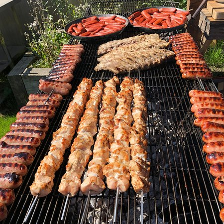 Newenden, UK: Meat feast on the BBQ