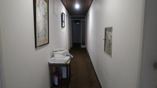 Hotel simples, com excelente localização e ótima equipe. Bom custo benefício.