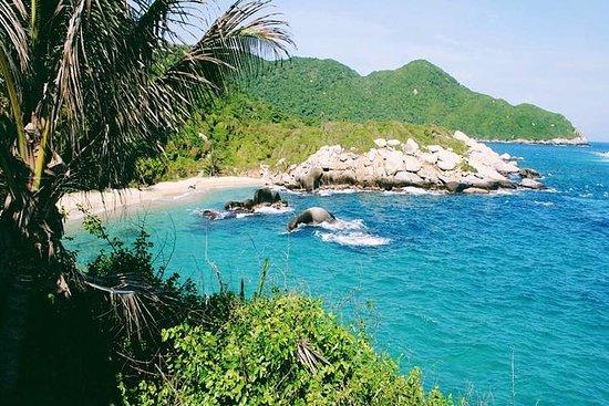 Hors-bord privé au départ de Santa Marta destination le parc national de Tayrona Photo