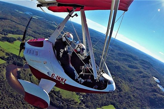 Foto Recreational flights onboard light sport aircraft