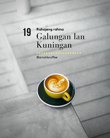 From all of us at Arnold's! Happy Galungan Day folks! . . . . . #arnoldscoffee #arnoldscoffeeisawesome #umalascafe #canggubreakfast #balifoodies  ----- canggu cafe